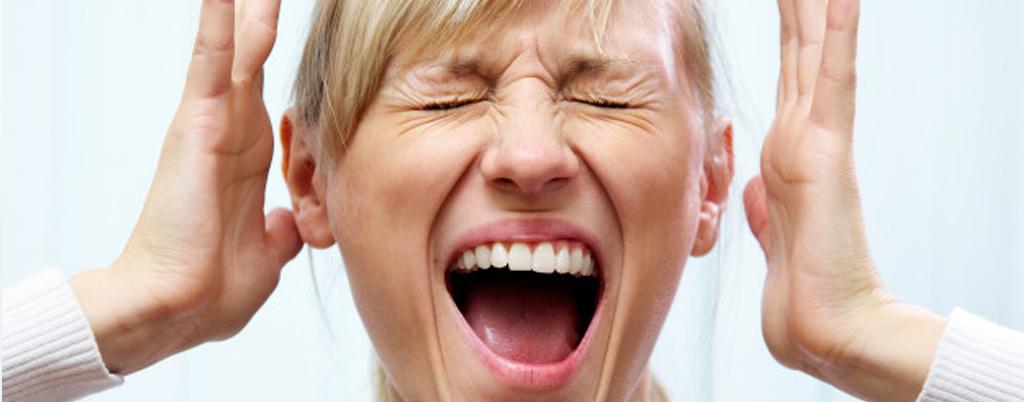 donna grida non vendo casa