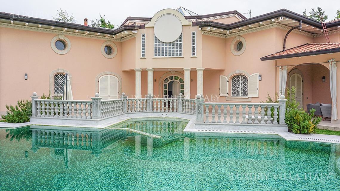 Дом / Вилла Форте деи Марми