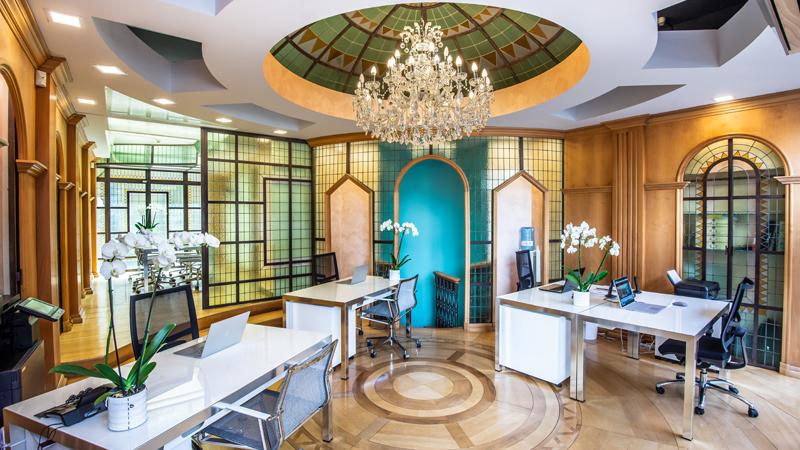 офис агентство недвижимости в Италии Luxury Villa Italy Лакшери Вилла Итали элитная престижная недвижимость красивый офис Италия